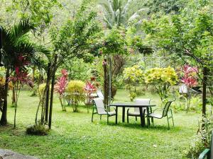 Relax in CarRod's Gardens